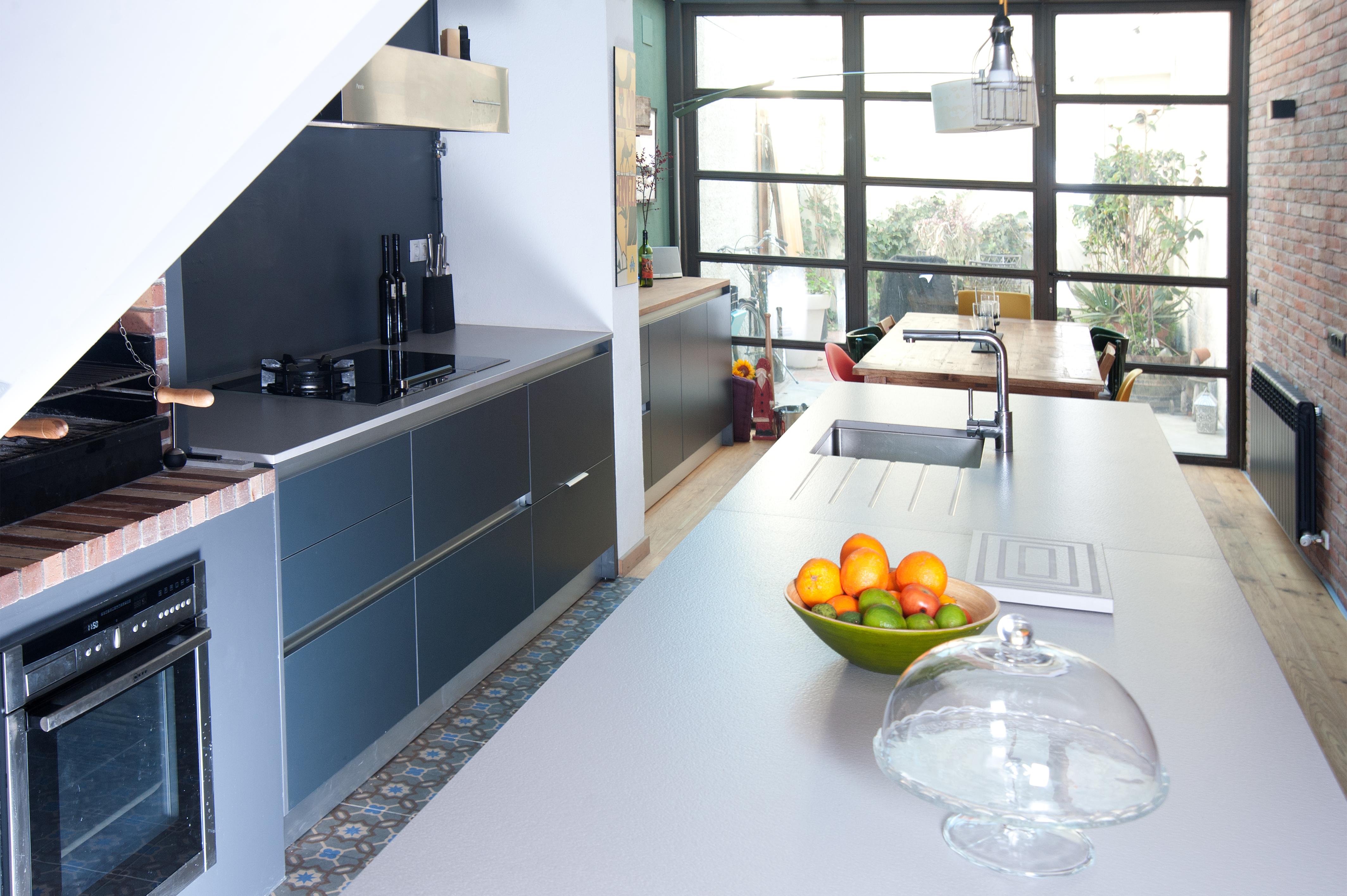 Cocinas brava cocinas de dise o muebles cocina strati for Muebles de cocina para exterior