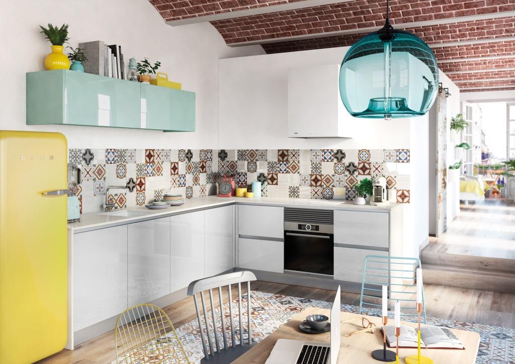 superficie brillante en la cocina